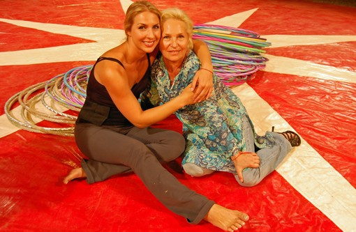 Aleysa Gulevich, left, and her mother, Nadezda Bilenko, herself a former performer, right before Gulevich broke the record. - PHOTO: NICK LUCCHESI