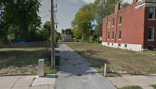 The alley behind the 5300 block of St. Louis Avenue, where Dennis Norise was murdered. - GOOGLE MAPS