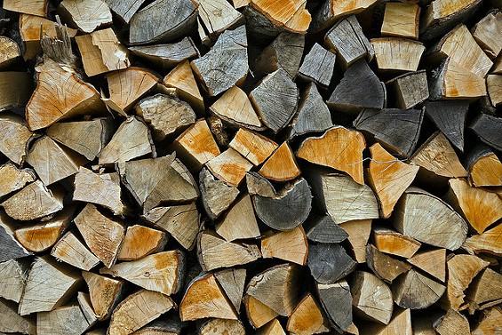 Look at all this wood. - HOIRA VARLAN VIA FLICKR