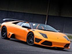 A Lamborghini similar to the one John Hill drives in a YouTube video.