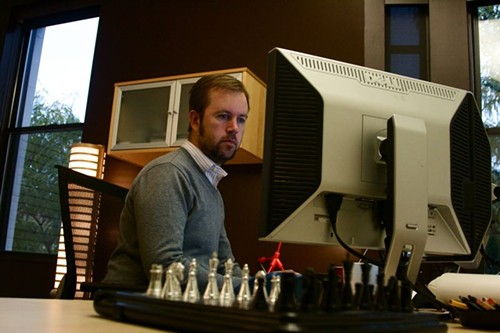 Dave Rutledge hard at work (twittering) in his new office - PHOTO BY: BILL STREETER