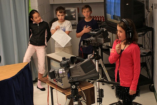 The crew at KSDK prepare for a new story. - WOODLEYWONDERWORKS ON FLICKR