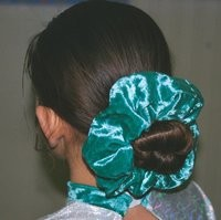 prom_scrunchie_thumb_200x199.jpeg