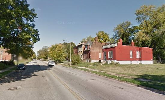Evans Avenue, where an officer faced bullets. - VIA GOOGLE MAPS