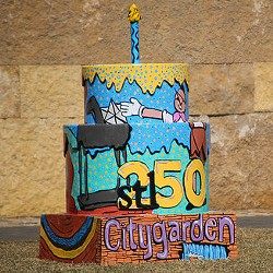 Citygarden's Cakeway to the West cake. - PAUL SABLEMAN ON FLICKR