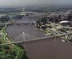 Mississippi River Bridge stirs controversy.