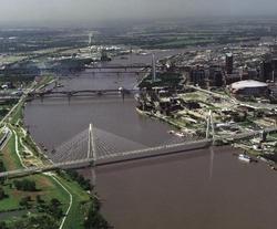 Mississippi River Bridge stirs controversy.