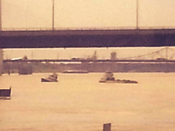 A tugboat sank in the Mississippi River near downtown St. Louis Tuesday. - ST. LOUIS FIRE DEPARTMENT TWITTER