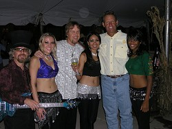 Let it never be said that George Brett doesn't know how to party. - LIQUIDBLUETOUR.COM