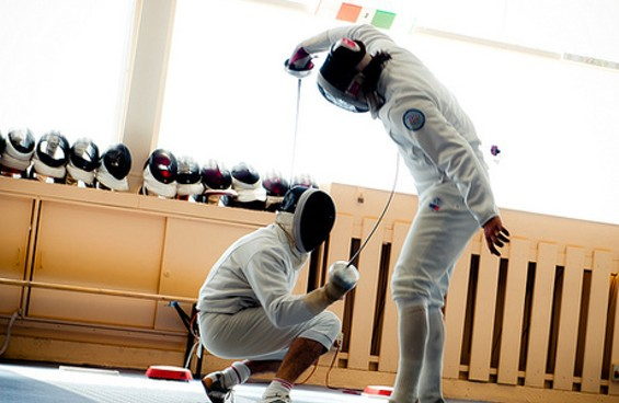 Dabblers take a fencing class. - DABBLE