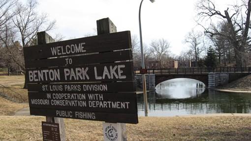 Lake_Sign.JPG