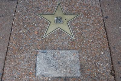 lou_star_plaque_thumb_400x266.jpg