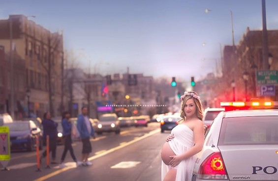 Lindsay Itzkowitz takes maternity photo shoots out of the studio and into the streets. - PHOTOS BY STEPHANIE COTTA PHOTOGRAPHY
