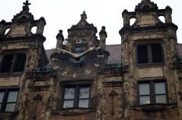 The clock's a-tickin' at City Hall on the Board of Aldermen shrinkage - IMAGE VIA