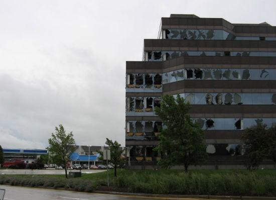 STL_tornado_damage_4.jpg