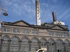 Laclede Power Center - FLICKR.COM/PHOTOS/CRACKERANDCHEESE