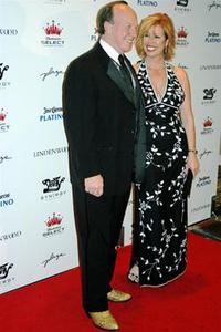 nellys_black_and_white_ball_at_the_chase_park_plaza.2799183.36_thumb_200x300.jpg
