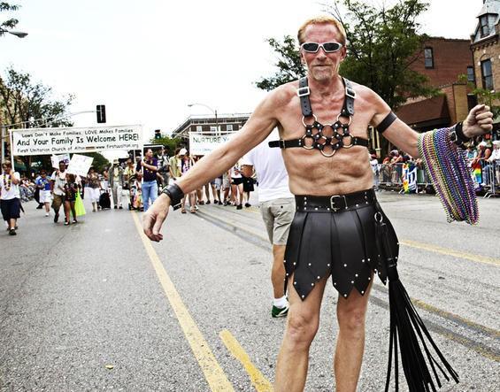 2010_pridefest_parade.4989444.87.jpg