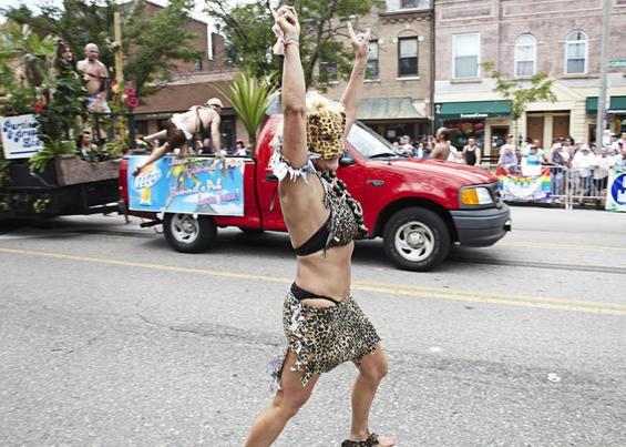 2010_pridefest_parade.4989436.87.jpg
