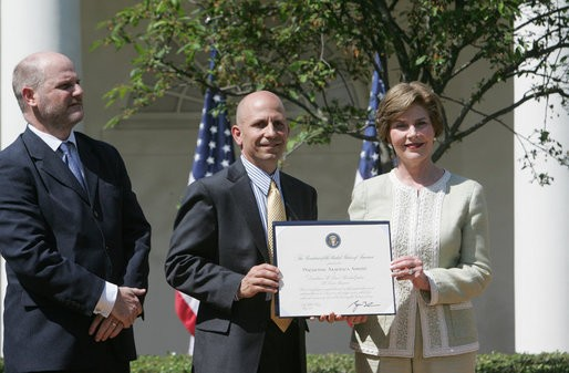 John Steffen (left) and fellow St. Louis developer Craig Heller receive a preservation award from Laura Bush in May 2007. - GEORGEWBUSH-WHITEHOUSE.ARCHIVES.GOV
