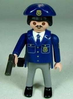 playmobil_police_res.jpg