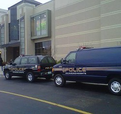 Police deployed a paddy wagon to the Galleria, just in case. - TONY D'SOUZA