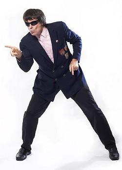 Beatle Bob struts his stuff. - WWW.LYNNTERRY.COM