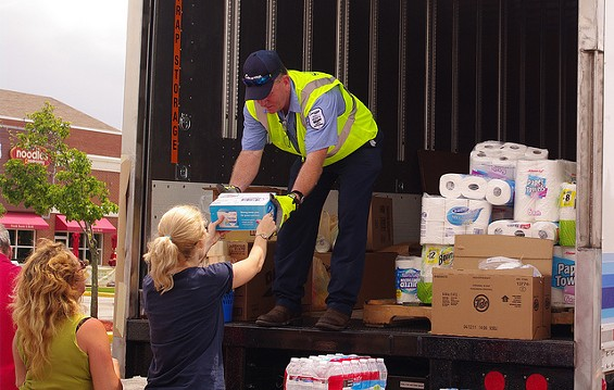 St. Louisans donating supplies to tornado victims in Joplin. - TOWBOAT GARAGE VIA FLICKR