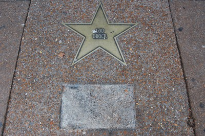 lou_star_plaque_thumb_400x266.jpg