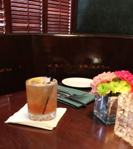 Enjoy drinks and dinner in a snug at Annie Gunn's, but make sure to RSVP in advance. | Evan C. Jones