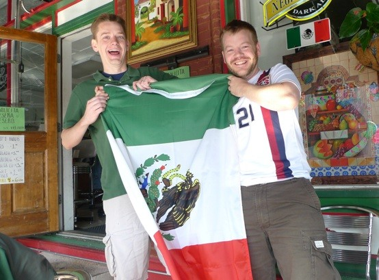Los gringos support their neighbors to the south