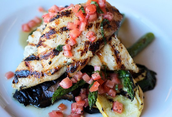 Chicken griglia: Grilled marinated chicken served with grilled vegetables. - MABEL SUEN