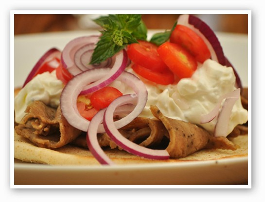 Gyros and more at the St. Louis County Greek Fest | Wikimedia Commons