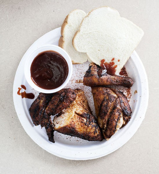 Barbecue chicken at Lil' Mickey's Memphis Barbeque - JENNIFER SILVERBERG