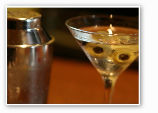 Learn to make New Year's Eve-worthy martinis at the Kitchen Conservatory. | Quinn Dombrowski
