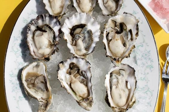 Oysters on the half shell at DeMun Oyster Bar - JENNIFER SILVERBERG