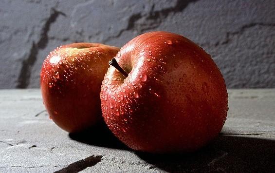 Mmmm, hot, sweaty, scandalous...apples!
