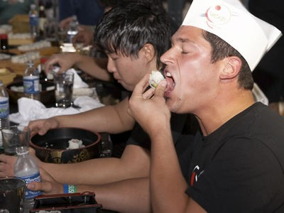 sushi_eating_contest_at_st_louis_wasabi_festival_9_21_08.2562565.36.jpg
