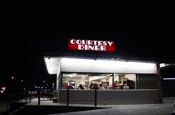 COURTESY DINER | MABEL SUEN