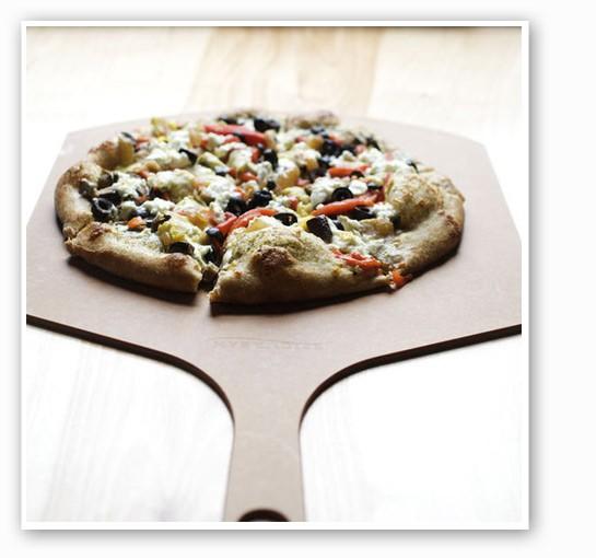 Veggie pizza, hot from the oven.   Jennifer Silverberg