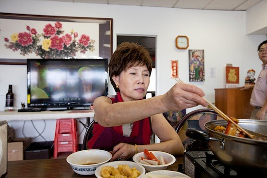 Owner and chef Xin Lin at Famous Szechuan Pavilion - JENNIFER SILVERBERG