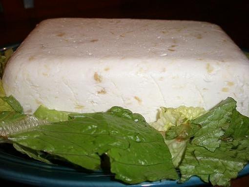 The lettuce garnish is optional. - ROBIN WHEELER