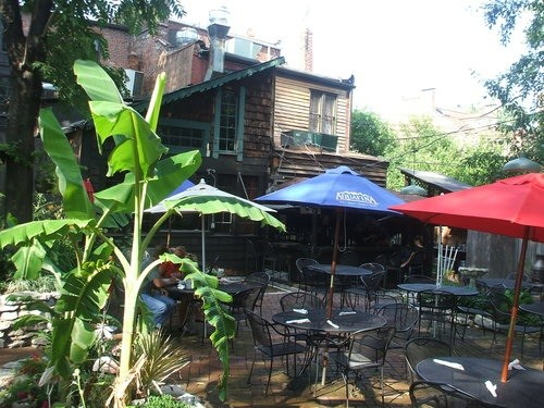 Patio at Molly's in Soulard - KRISTEN KLEMPERT