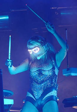 Ke$ha did not use pots and pans when she visited the Pageant. - TODD OWYOUNG