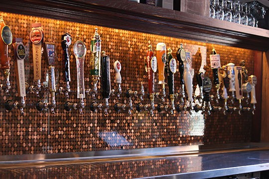 The taps at Flying Saucer Draught Emporium | Kaitlin Steinberg