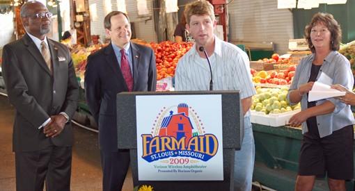 Walker Claridge, center, with St. Louis County Executive Charlie Dooley, far left, St. Louis Mayor Francis Slay, near left, and fellow Missouri farmer, Rhonda Perry, right.