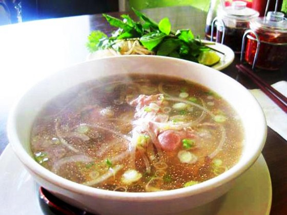 A BOWL OF PHO AT PHO LONG. | IAN FROEB