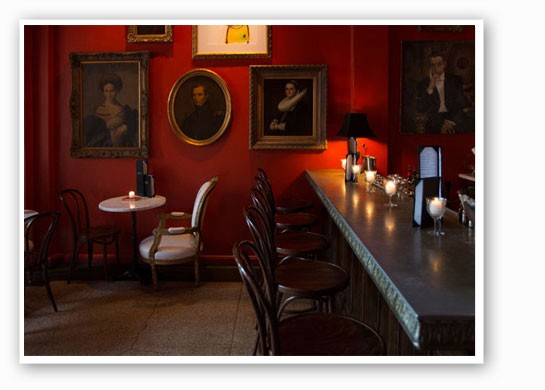 The cozy bar at Bar Les Freres. | Jennifer Silverberg