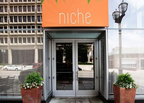 Outside Niche. | Jennifer Silverberg