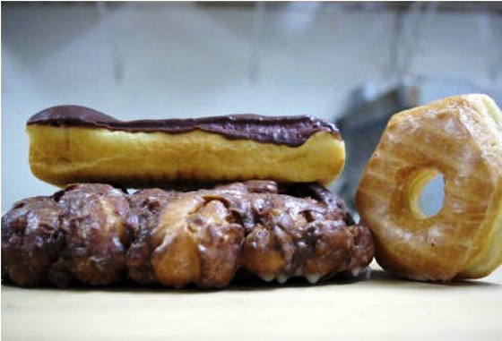 CLASSIC DOUGHNUTS AT DONUT PALACE | COURTESY OF DONUT PALACE